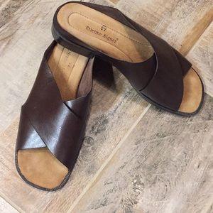Etienne Aigner  sandals 👡 8M